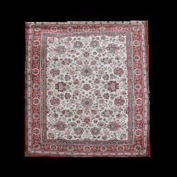 Huur etnisch tapijt