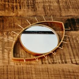 Oogvormige spiegel